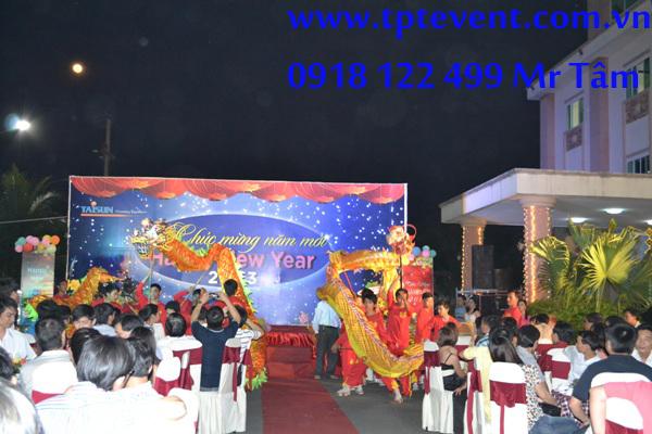 TỔ CHỨC TIỆC TẤT NIÊN CÔNG TY 0909 908 238 Mr Phong